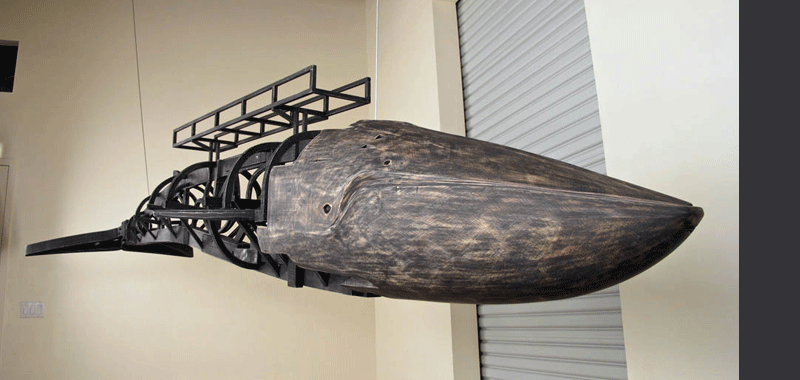 Whale sculpture by Sylvie Rosenthal