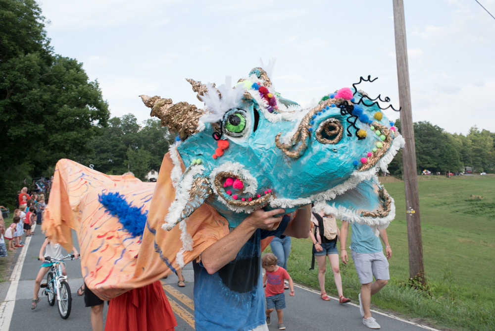 This dragon made a fine (and crafty) addition to the front of the parade.