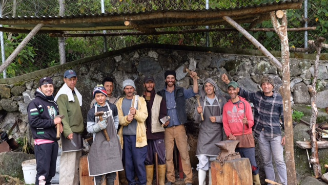 group shot from Daniel's blacksmithing workshop in La Caña