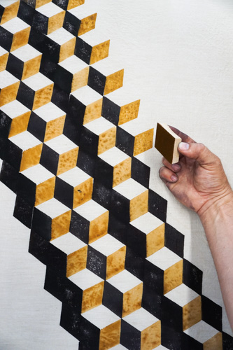 diamond stamped pattern in black, white, and gold