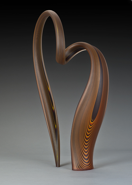 sinuous glass sculpture by Greg Fidler