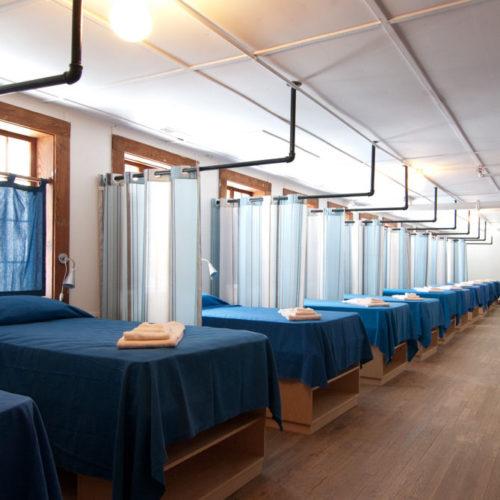 Economy dorm room, Craft House