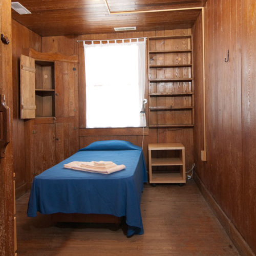 Economy single room, Craft House